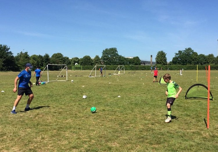 One to one football training